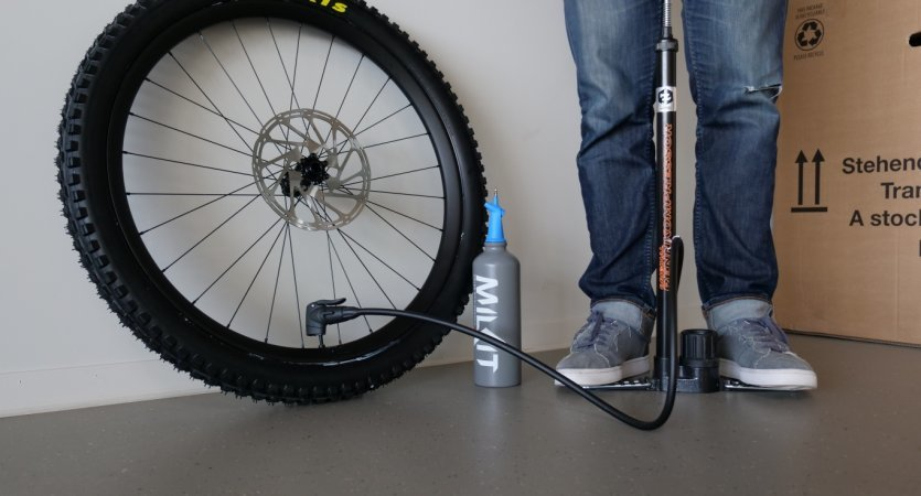 The milKit Tubeless Booster. The perfect way to pump up tubeless tyres without using a compressor/CO2 cartridges.